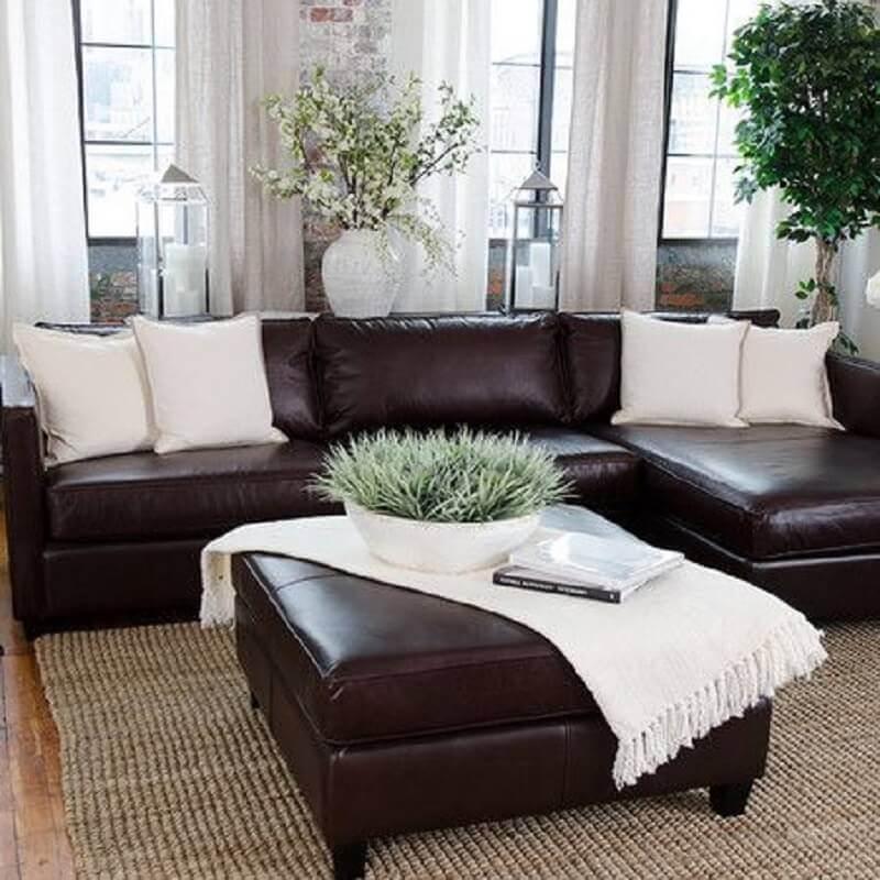 decoração almofadas para sofá marrom de couro