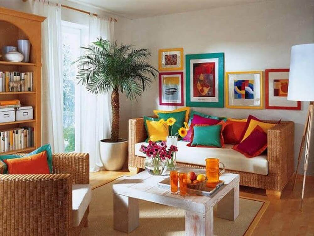 decoração com almofadas coloridas para sofá
