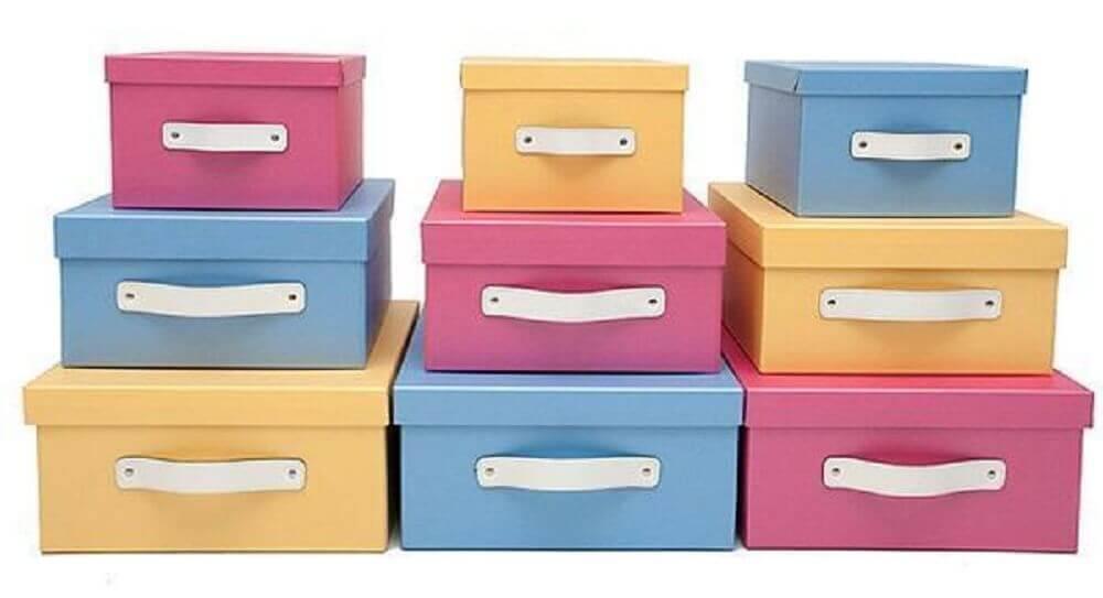 Caixa de sapato coloridas para a decoração