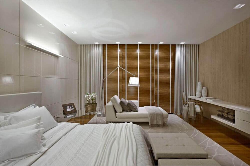 decoração com luminária de chão para quarto de casal