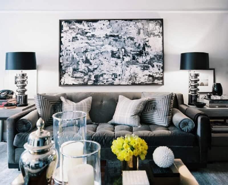 decoração de sala cinza com preto
