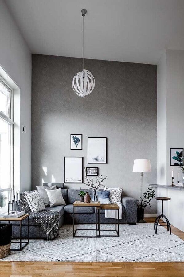 decoração de sala cinza com sofá de canto e mesa de centro estilo industrial Foto Houzz