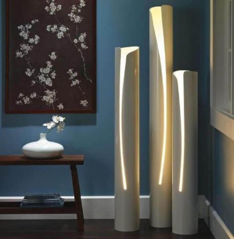 decoração de sala com luminária de PVC