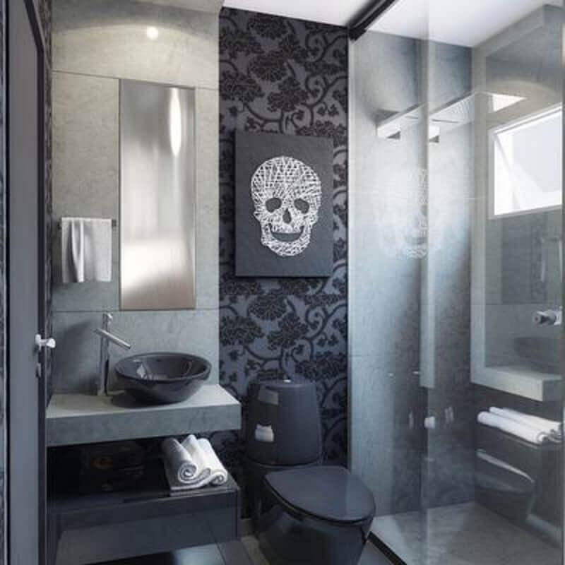Decoração de banheiro preto com papel de parede