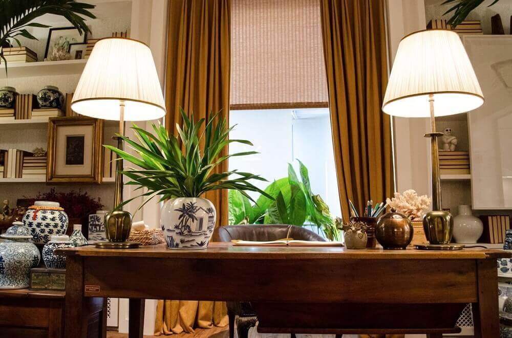 Decoração escritório com vasos decorativos para plantas