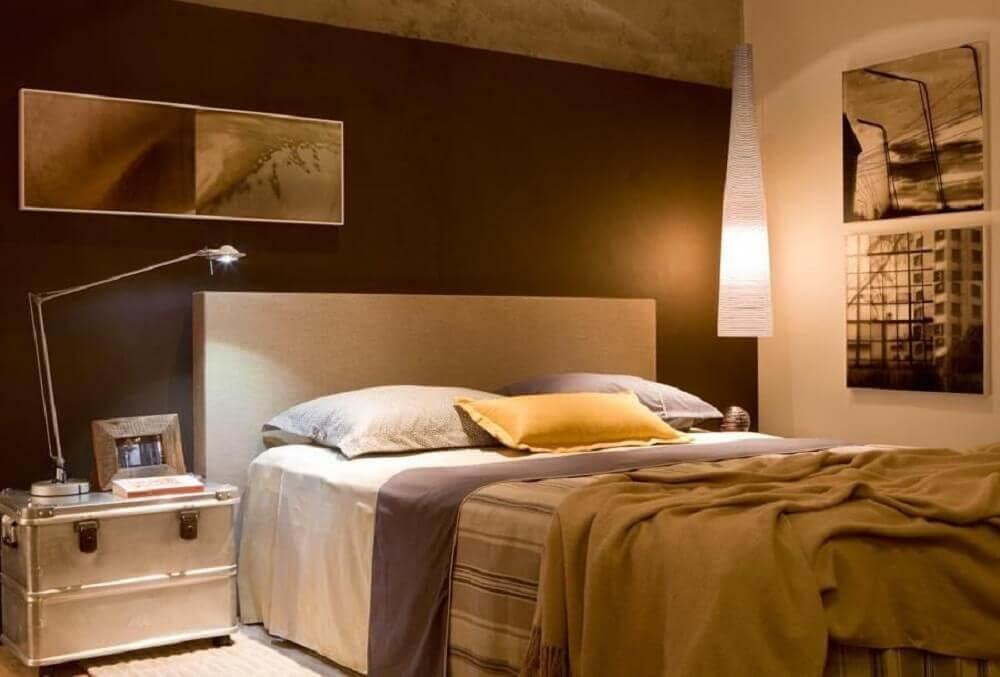 Decoração de quarto de casal com luminárias diferentes