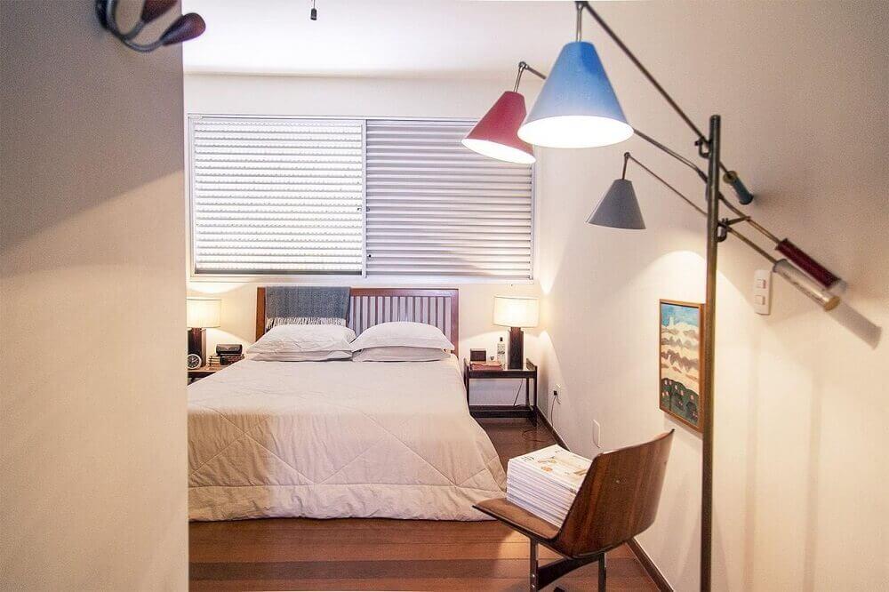 decoração com luminária para quarto coloridas