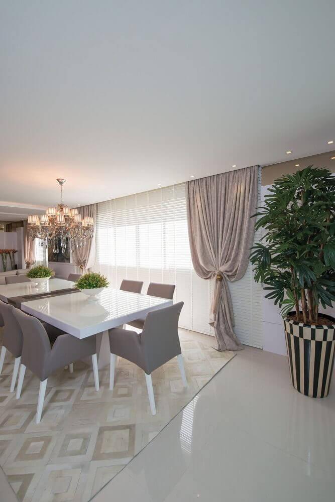sala com modelos de vasos decorativos diferentes