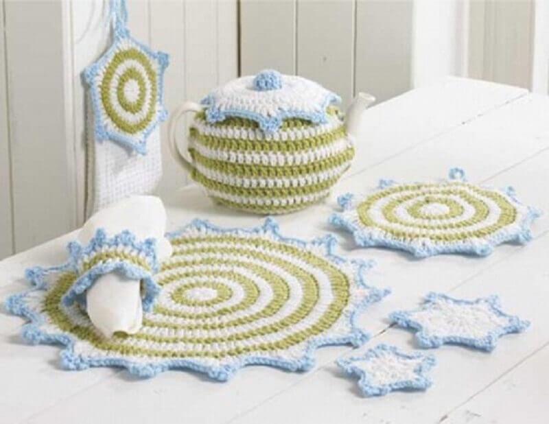delicado jogo de cozinha de crochê em barbante