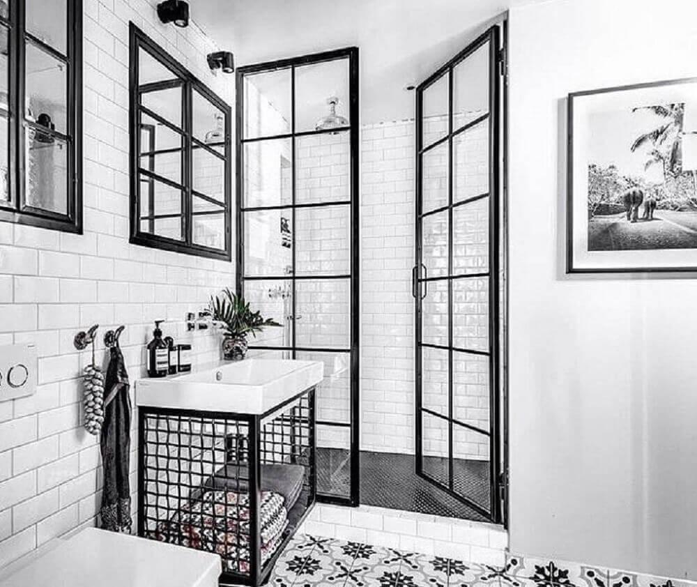 detalhes banheiro preto e branco