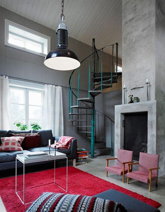Sala de estar com escada caracol