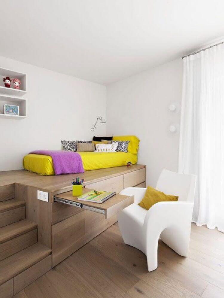 escrivaninha embutida na cama