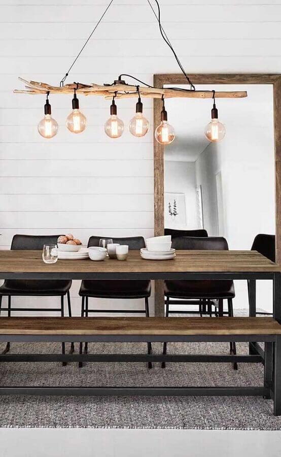 espelho para sala de jantar simples com detalhes rústicos Foto Apartment Therapy