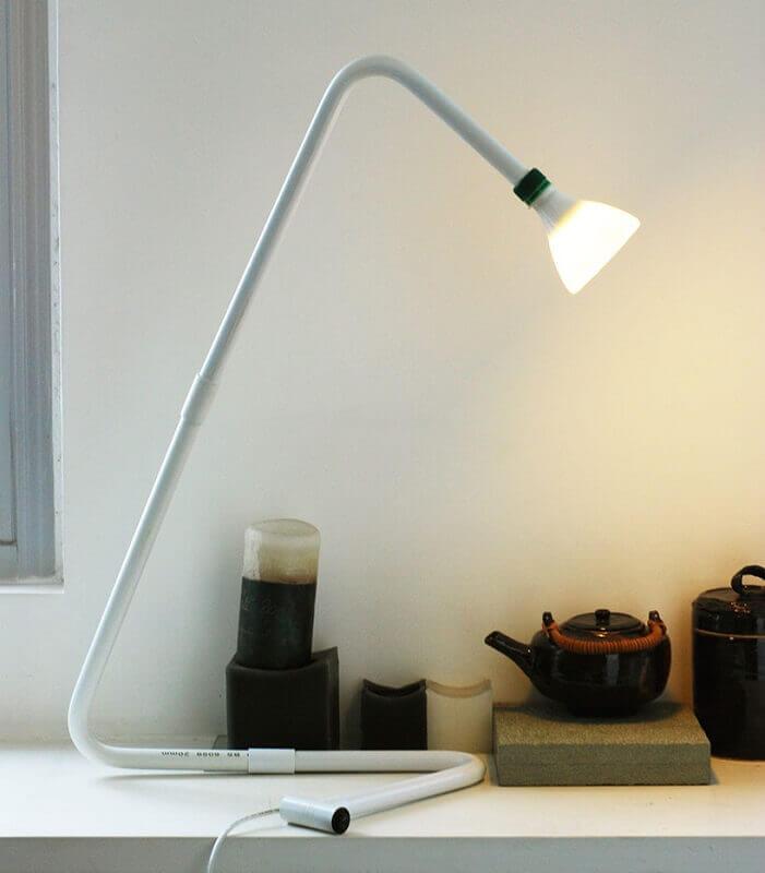 luminária de PVC branca