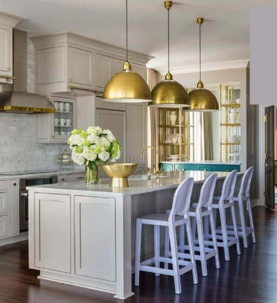 luminária dourada para cozinha