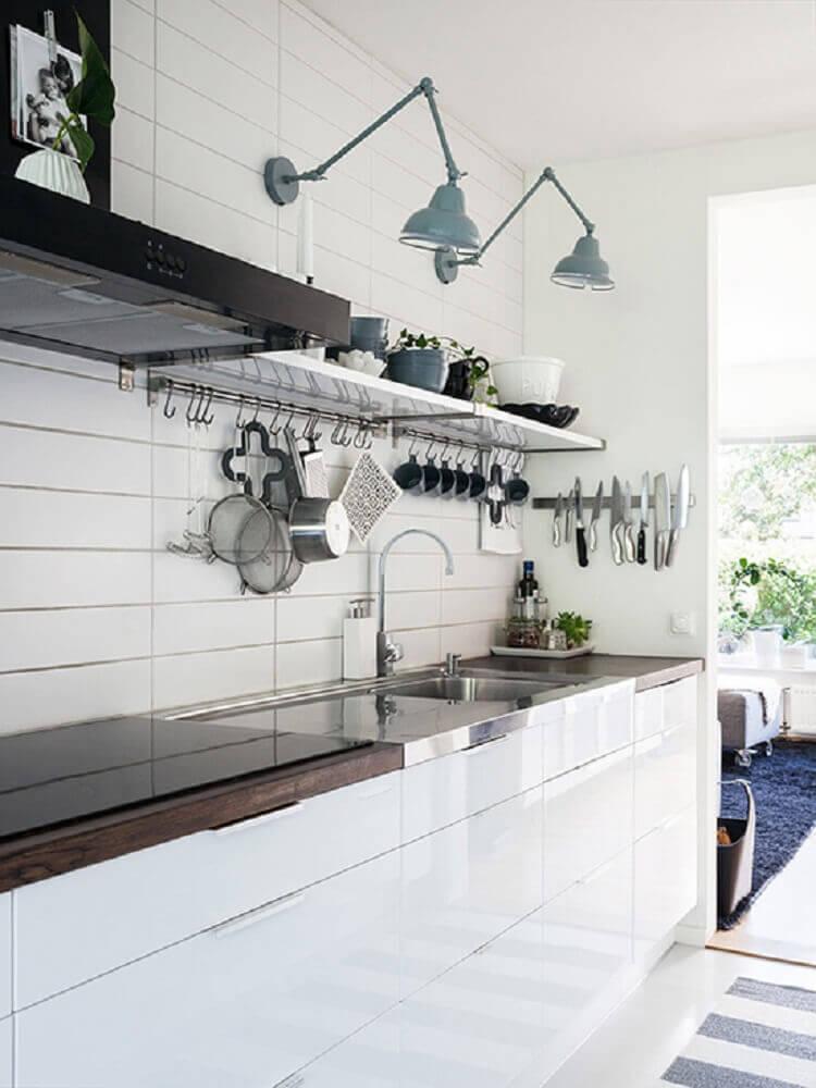 luminária para cozinha presa na parede