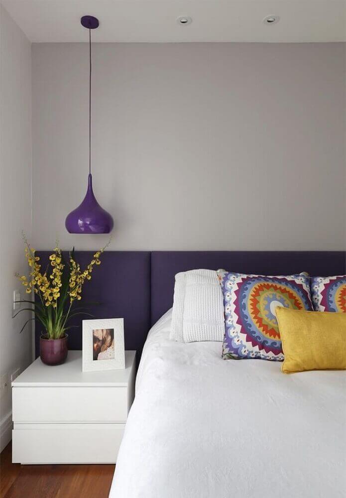 luminária roxa para quarto