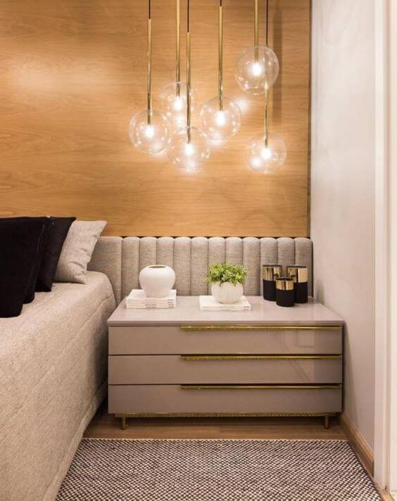 Luminária para quarto acima da cômoda
