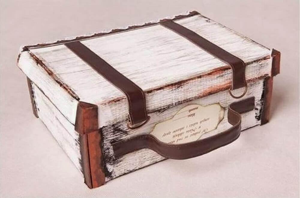 maleta com caixa de sapato decorada