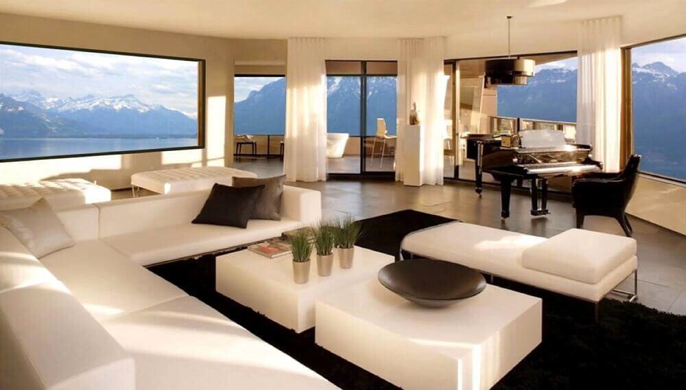 mansão de luxo com sala decorada