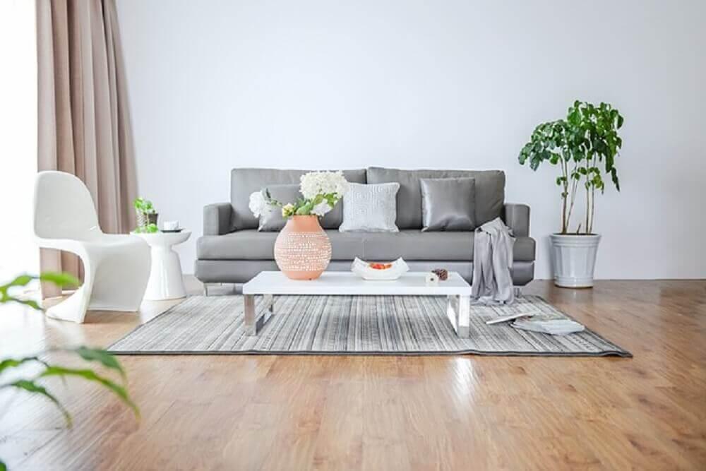 Decoração de sala clean com vasos de plantas para sala