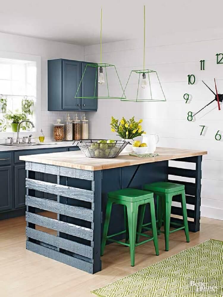 mesa feita de pallet para cozinha
