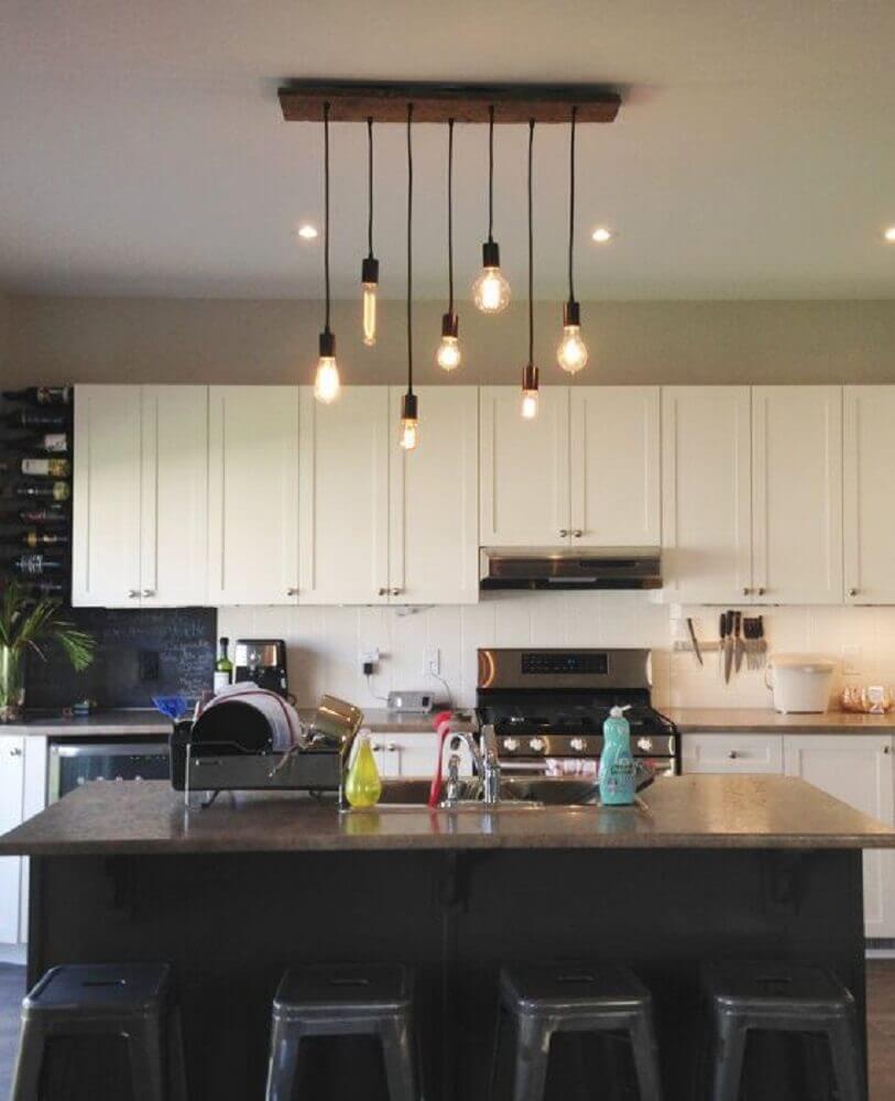 modelo minimalista de luminária pendente para cozinha