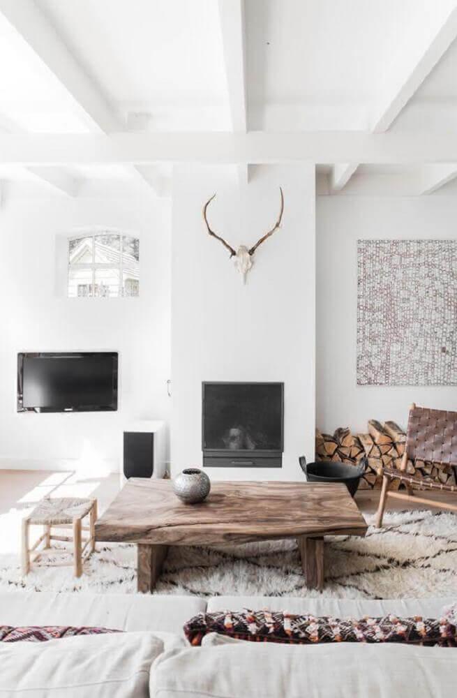 sala com decoração clean e modelos de mesa de centro rustica