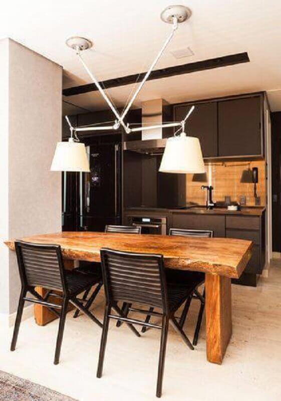 modelos de mesas rusticas de madeira com cadeiras pretas