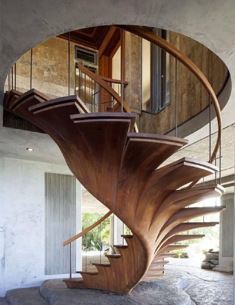 moderna escada caracol de madeira