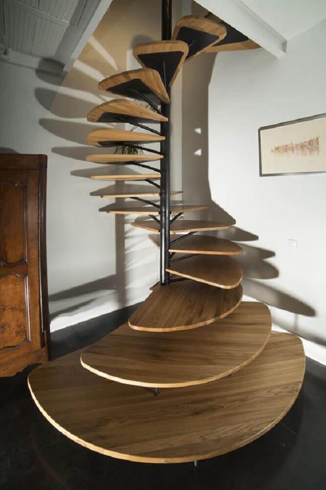 moderna escada espiral de madeira