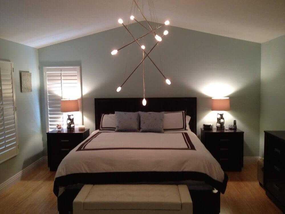 moderna luminária de teto para quarto de casal