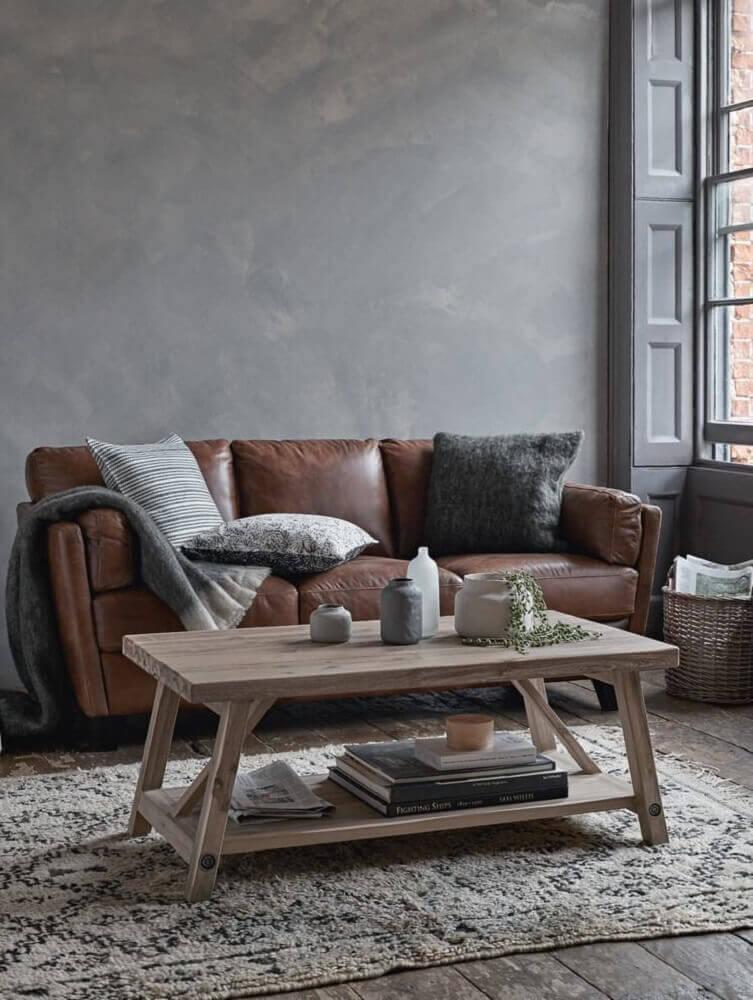 moderna sala com sofá marrom