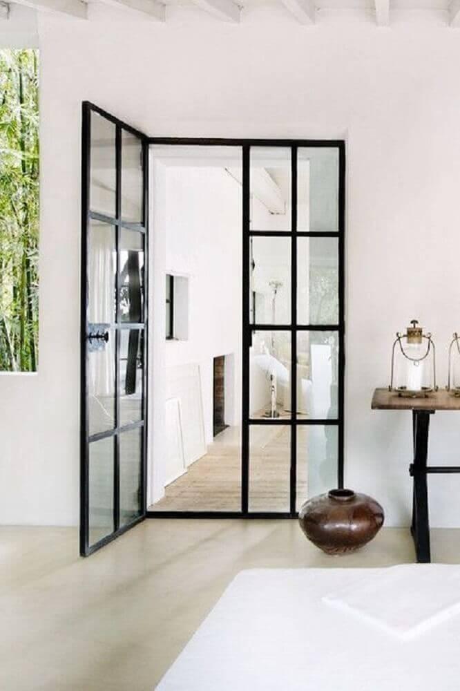 porta de vidro com armação de ferro