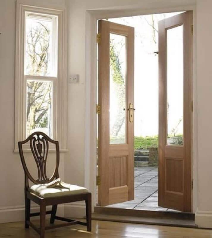 porta francesa de madeira com vidro