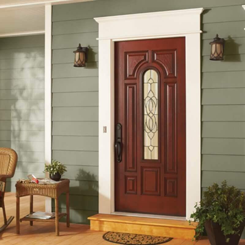 portas de madeira com detalhes