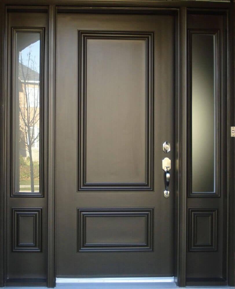 portas de madeira preta