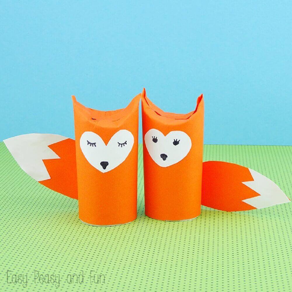 raposinha feita de artesanato com rolo de papel higiênico