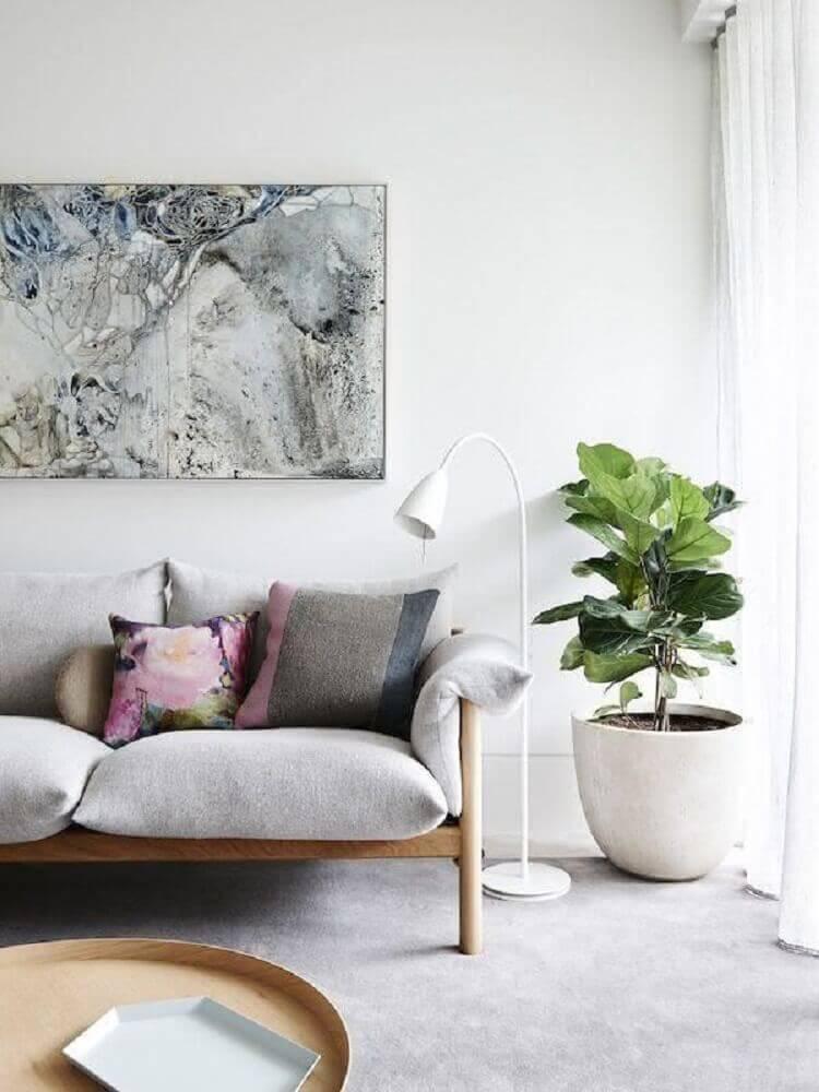 sala com vaso decorativo