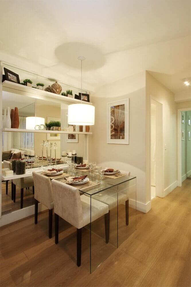Espelho para sala de jantar compacta