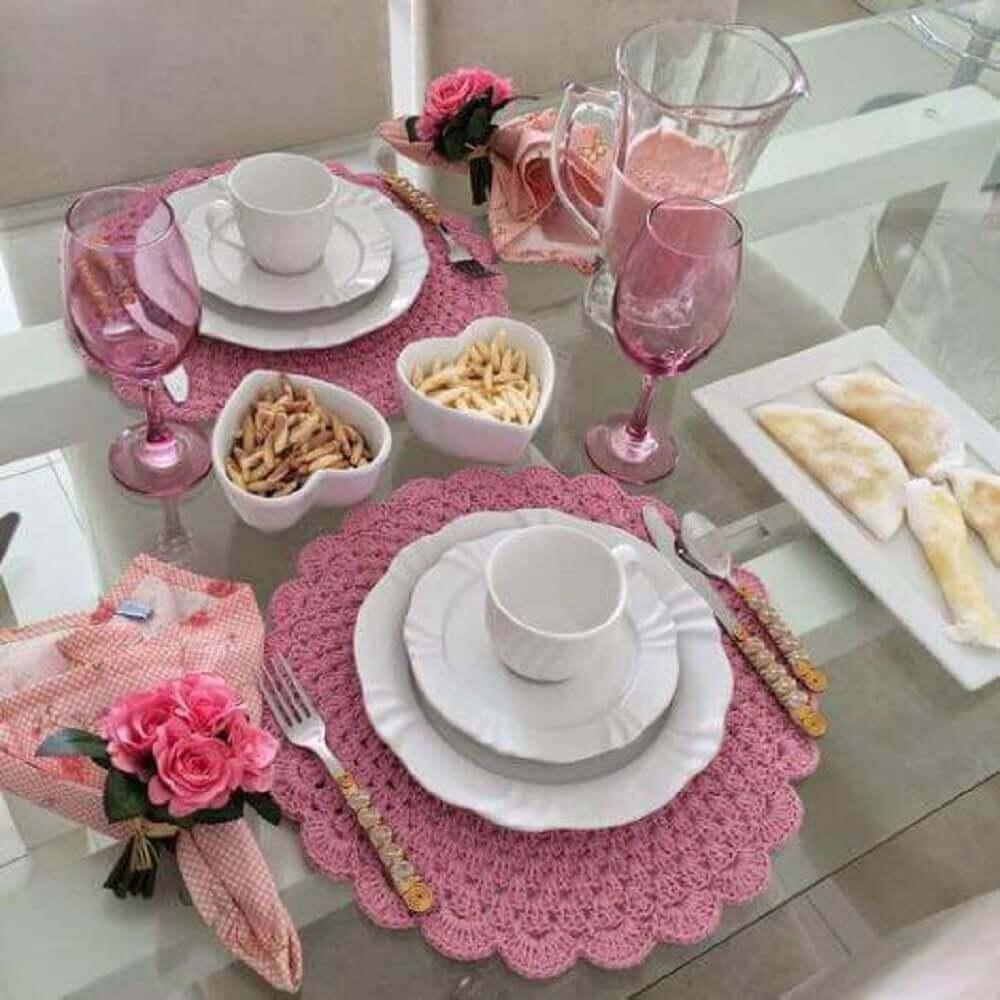 sousplat de crochê rosa mesa romântica