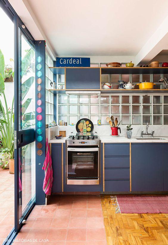 tijolo de vidro - cozinha moderna com tijolo de vidro