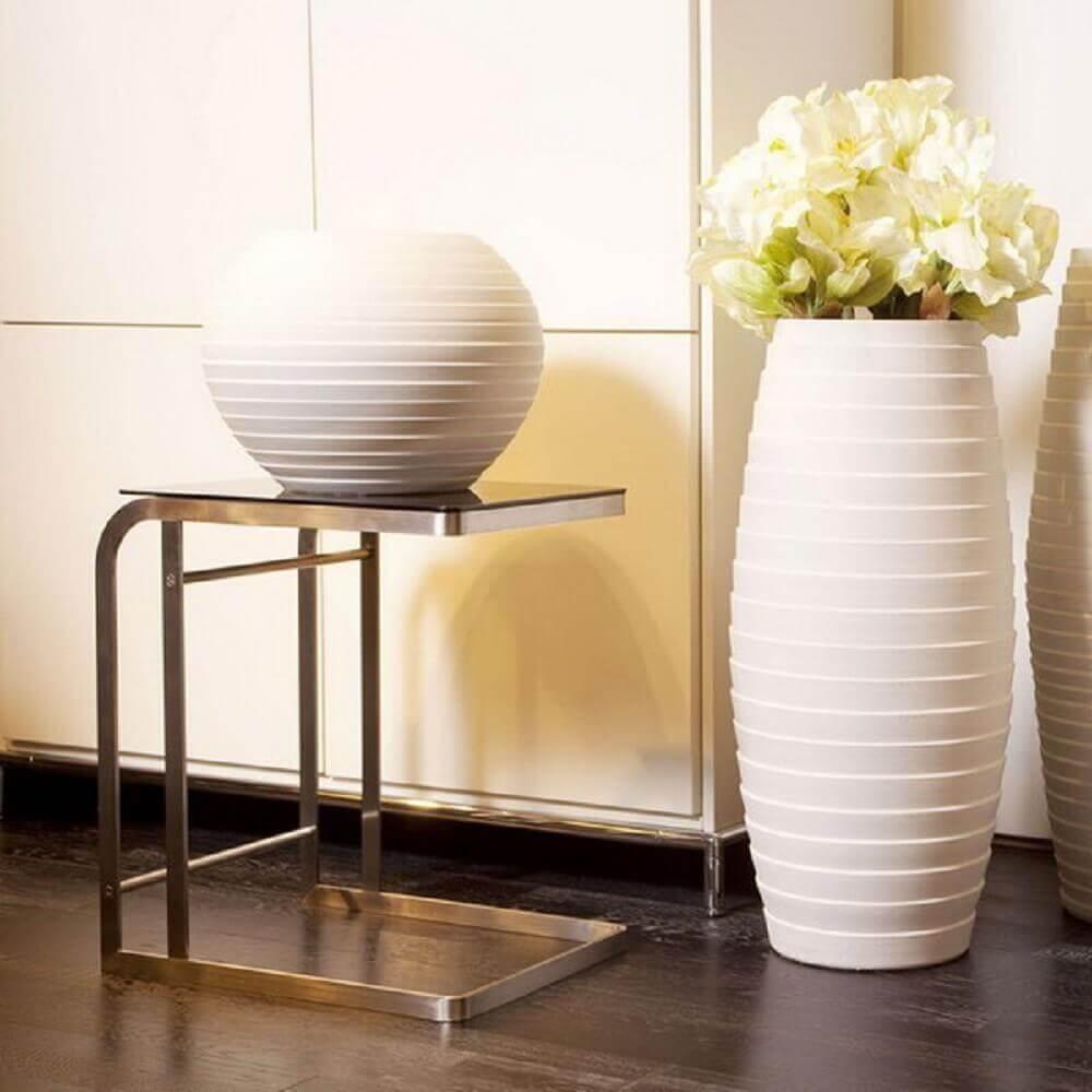 vasos decorativos grandes e pequenos