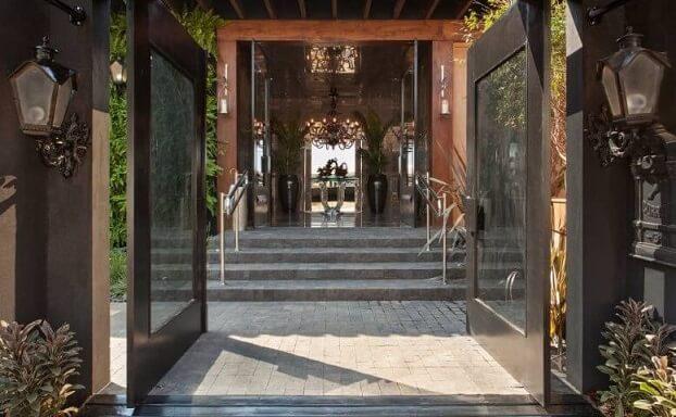 Arandelas externas clássicas Projeto de Casa Cor Franca 17