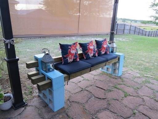 Banco de concreto com estofado