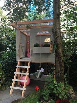 Casa na árvore de criança