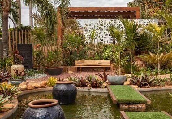 Como fazer um jardim com paisagismo e lago Projeto de Casa Cor Franca 17