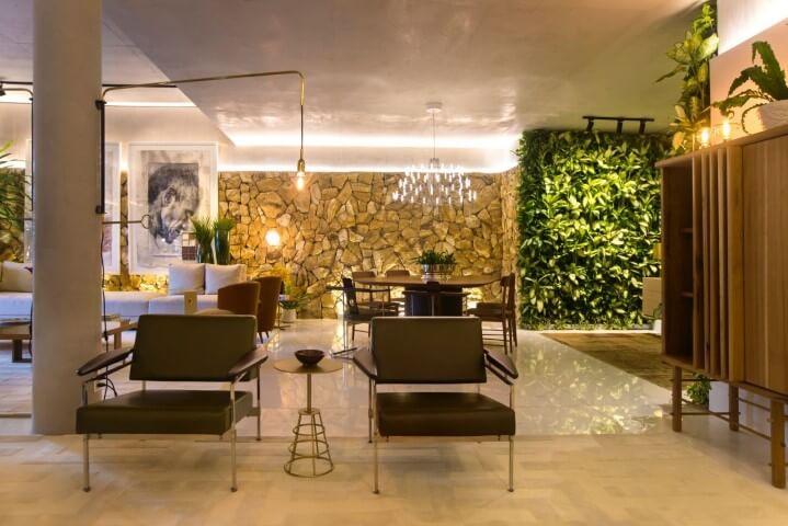 Como fazer um jardim vertical em sala de estar Projeto de Rodrigo Maia