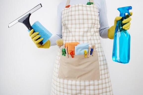 Como limpar vidros com produtos certos