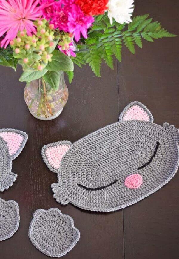 Jogo americano de crochê com formato de gato